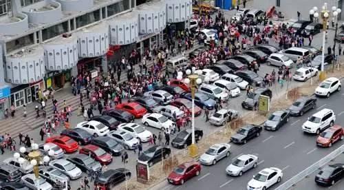 """我国车位缺口超5000万个 停车难""""全面爆发"""""""