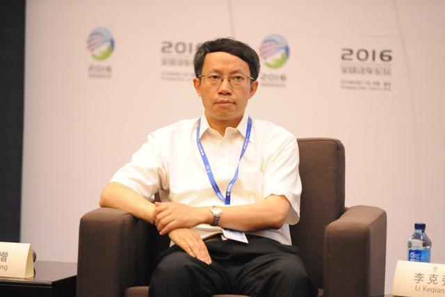 清华大学李克强:智能汽车是智能交通的一部分