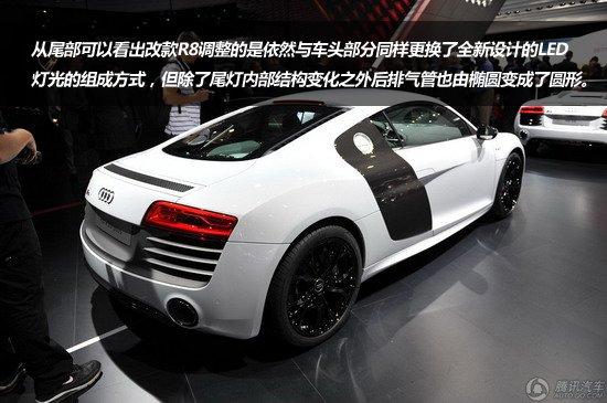 GT-R,法拉利458 Italia等等。新款R8采用的亦是全新的7速双离合S-tronic变速器。该变速器采用三轴设计,整个变速器长度不到60厘米。两个多片式离合器前后安置,其结构与大众集团其它的双离合变速器有所不同。奥迪宣称其换挡时间仅有百分之一秒!其换挡之迅速、敏捷让人难以察觉。 在变速箱提升之后,改款R8的动力性能一定程度上已经获得了令人满意的提升,改款奥迪R8还是主推4.