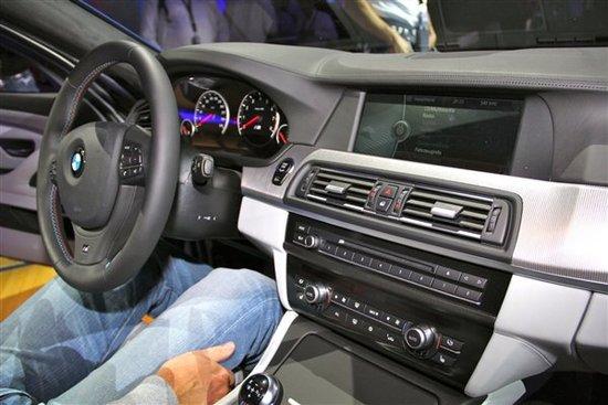 海外售73040英镑 宝马新一代M5正式亮相