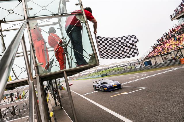 2014法拉利精英日嘉年华上海f1赛场精彩演绎东风标致4008v精英手册推350thp赛道版