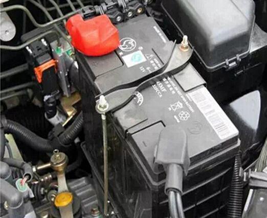 蓄电池老是亏电?熄火后这4种行为最伤电瓶!