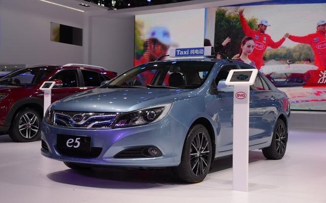 比亚迪秦EV300/e5两款电动车3月31日上市