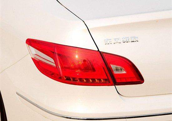近日,东风标致旗下紧凑级车型2013款东风标致408正式上市销售,其售价区间为12.69-17.19万元。此次上市的新车共推出了1.6升和2.0升两种排量的七款车型供消费者选择,按配置来分,则有舒适版、豪华版以及尊贵版三种不同配置车型。