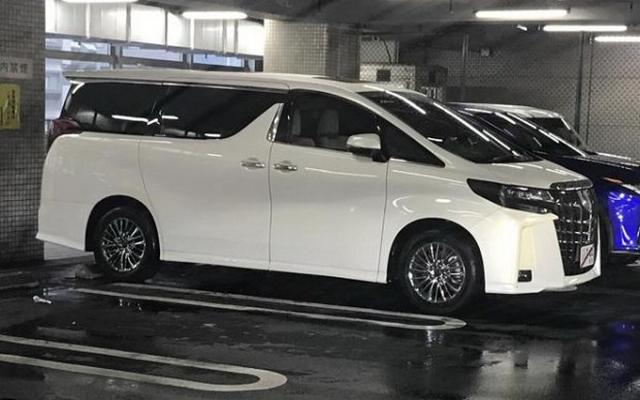 最热MPV全面升级 曝丰田新款埃尔法实车图