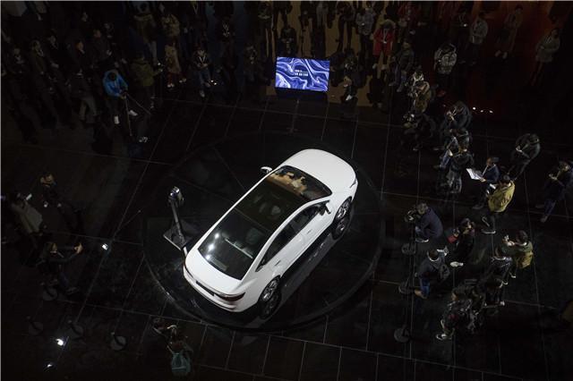 看完吉利GE11实车首秀 我觉得特斯拉Model 3要小心了