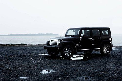 Jeep牧马人冰川纪念版冷酷登场北京车展