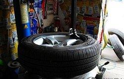 换胎作业 FF195/60R15轮胎更换分享