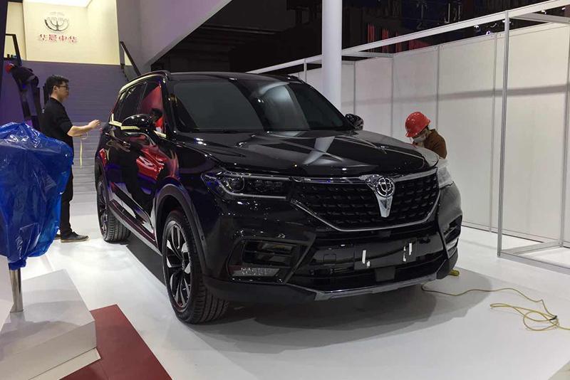 车展探营:搭宝马王子发动机 中华V7纯黑运动版实车