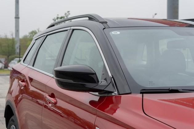 斯威G01双色版实车曝光 外观更具活力/细节升级