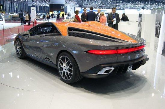 意大利著名汽车设计工作室博通(Bertone)今天宣布他们将携最新作品Nuccio概念车出展本月底的北京车展,其中最大的看点为:博通这次带到会场上的不再是像早前日内瓦车展时的树脂石膏模型,而是一台实实在在、功能完备的原型车