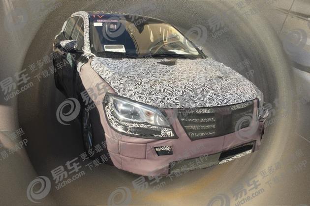荣威i5燃油版谍照曝光 新增两厢版车型/搭1.0T发动机