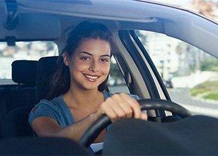 开车的这几种行为 是十分危险的