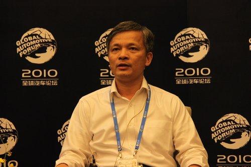 钟志华:正在研究智能交通和交通互联网