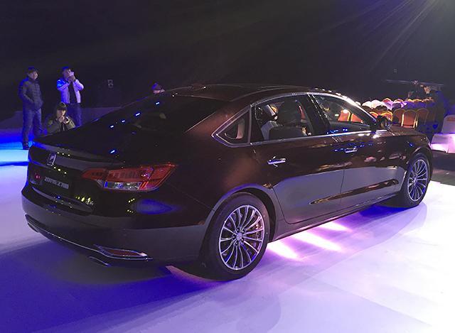 众泰Z700正式上市 售价9.98万-15.88万元