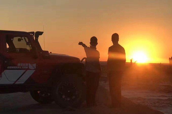 本季《狂野西部》的主题为――寻找最后的金雕猎人