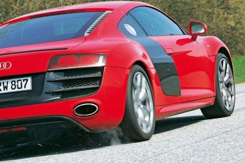 谁是一哥 奔驰SLSAMG 911Turbo 奥迪R8高清图片