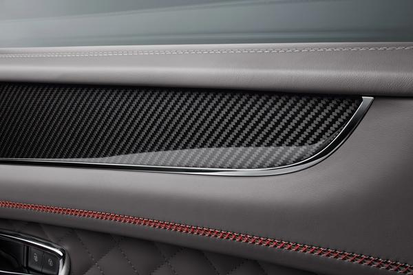 超凡性能与精湛工艺铸就宾利添越Bentayga V8