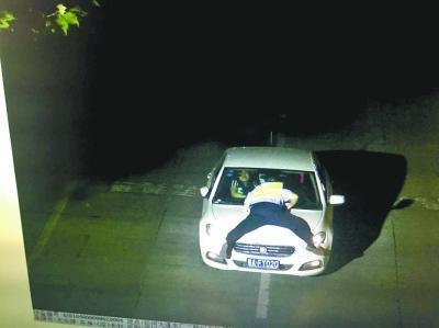 《每日猜车》第798期:女司机顶交警200米