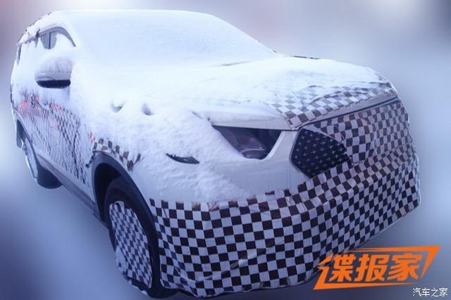 曝长安欧尚全新SUV内饰谍照 科技感十足