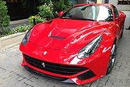 SSCC:赤红法拉利F12提车实拍