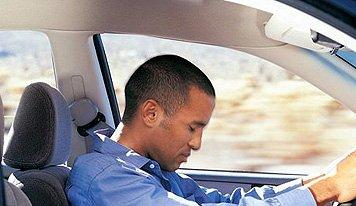 提防疲劳驾驶 驾驶员防瞌睡技术推出