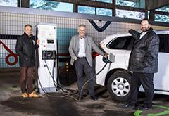 瑞士首座高山电动车充电站启动 水力发电做电源