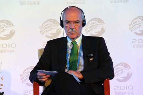 Roland Ehniss:中国发展新能源汽车潜力大