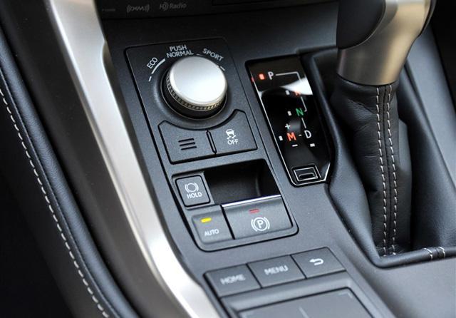 雷克萨斯NX购车手册 推荐NX300h锋致版高清图片