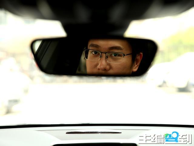 财经副主编刘康体验CLA260 追求年轻的选择