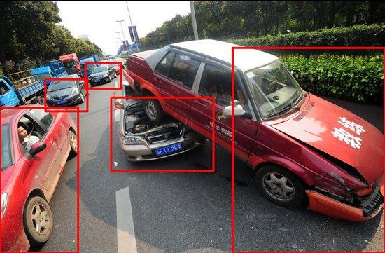 《每日猜车》第5期:教练车事故中被顶起