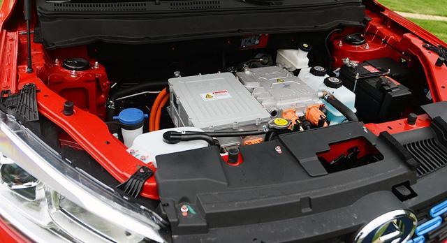 江铃E400上市 补贴后售价8.98-10.98万