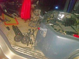 车子高速抛锚 拖到汽修厂发动机险被拆解