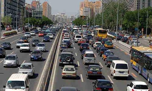 公安部加大非机动车驾驶人 行人违法教育高清图片