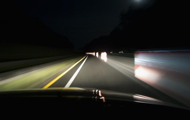 走灰不走黑 那些能救命的夜间行车经验