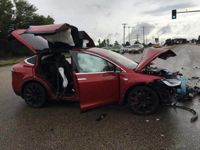 特斯拉又出事故了 车主竟然表示很满意
