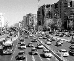 广州汽车限购 挑战传统汽车产品的消费结构