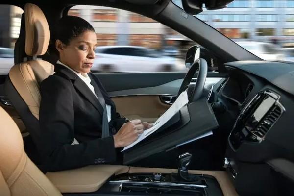 """对于自动驾驶和人工智能 英国政府相当""""大方"""""""