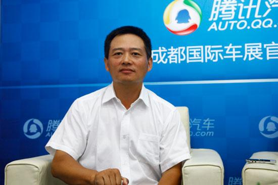 李春荣:东风风神首款SUV AX7将于11月发布