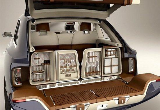 日前,宾利中国对外宣布,在2012年北京车展上,旗下EXP 9F SUV概念车将完成亚洲首演,同时欧陆GTC敞篷轿跑车与全新欧陆GTV8也将首次与公众见面