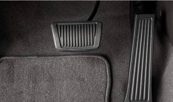 车辆发生失控时 我们该如何操作?