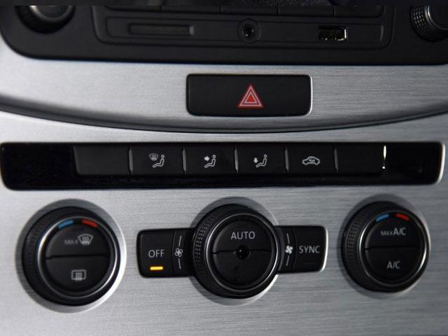 定速巡航,多功能方向盘,带老板键的前排电动座椅,mib-g standard收音