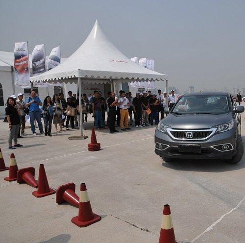 驾悦体验营活动现场不仅安排了东风Honda全系车型的试驾体验,还通