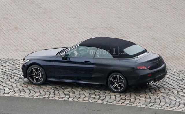 奔驰新C级敞篷车日内瓦首发 保留软顶设计