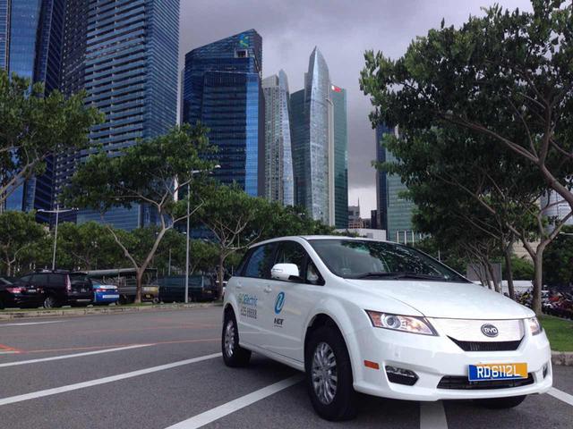 亚迪纯电动大巴狮城新加坡首发图片