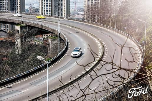 穿行城市间,福特领界领你看重庆