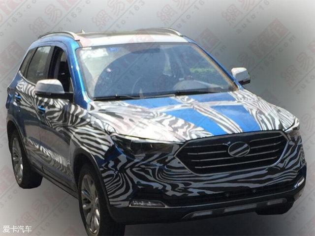 一汽奔腾X40内饰谍照曝光 定位小型SUV高清图片