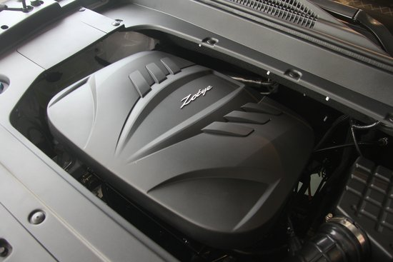 小型SUV也有高配置 腾讯汽车实拍众泰T300