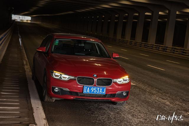 大渝汽车试驾BMW 318Li:这一定不是台三缸机