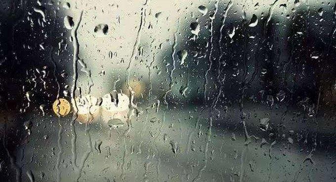 一下雨车窗就模糊 教你雨季怎么保养爱车